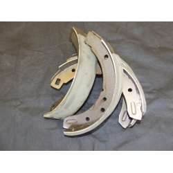 Competition Brake Shoes M20 -  TR4-6